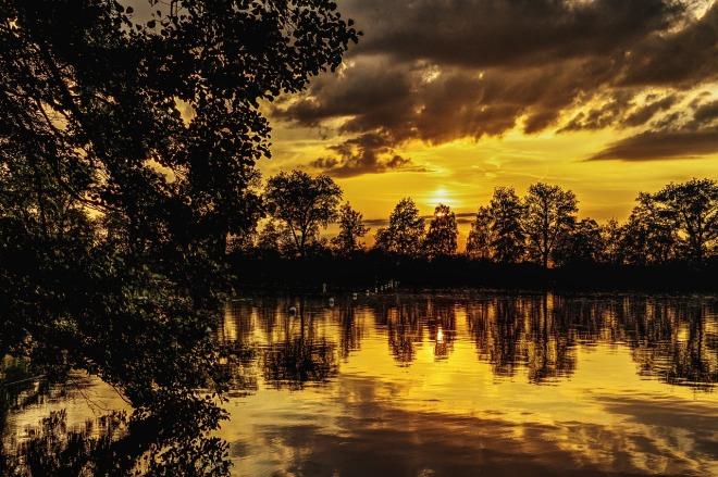 sunset-2440669_1280